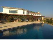 Luxury villa for long term rental in Anarita