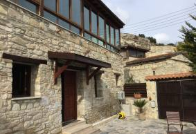 3 bed traditional house for long term rent