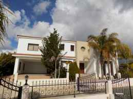 Villa for rent in Petridia