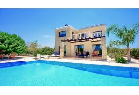 3 bedroom modern luxury villa in coral bay for holiday rentals