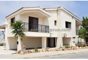 3 bed plus Unfurnished villa for rent