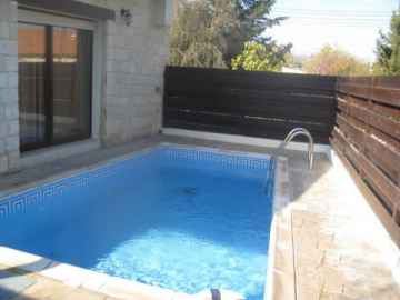 3 bedroom stone villa in Stroumbi