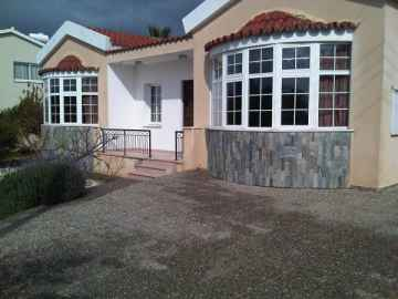 4 bed villa for long term rent at St George