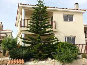 3 bedroom Unfurnished villa for rent