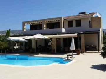 4 bed Fully Furnished Luxury villa