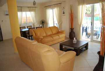 Villa in Coral Bay for Long Term Rental