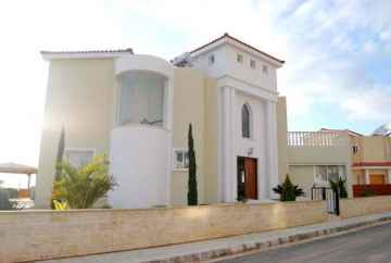 Luxury new 4 bed Villa in St George