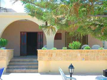 3 bedroom Villa furnished in St George