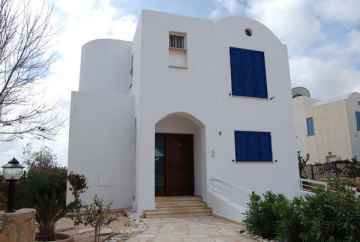 Large 5 bedroom Villa furnished near the Sea