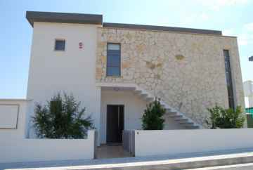 3 bedroom fully furnished villa Mesa Chorio