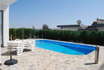 2 bedroom fully furnished villa Mesa Chorio