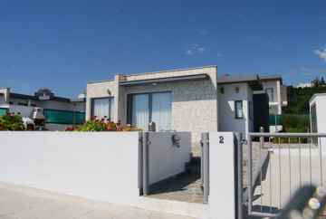 A 3 bed fully furnished Bungalow Mesa Chorio