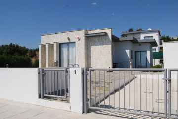 2 bedroom furnished bungalow Mesa Chorio