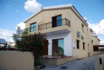 3 bedroom Town house in Pano Paphos