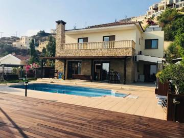 4 bed villa with amazing view