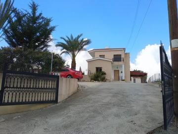 3 bed Unfurnished villa near Tsada' golf