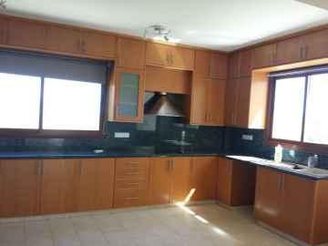 Tsada detached house for sale with mountain views