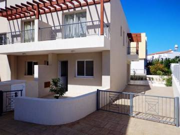 2 bed corner maisonette in Melanos Chloraka