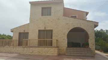 3 bed detached long term rent in Arodes