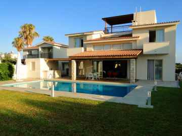 3 bed modern villa long term rent in Cloraka