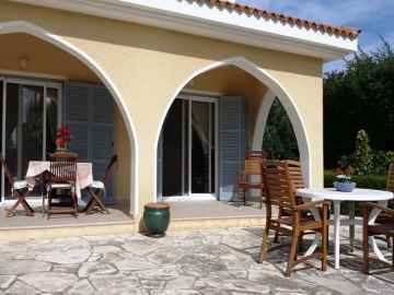 3 bedroom plus an annex detached house Peyia