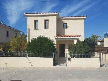 3 bed detached for rent in Koloni