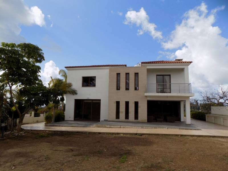 House for rent in Petridia