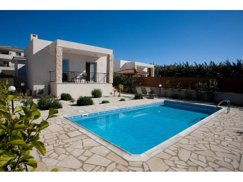 Luxury 5 bed furnished villa in Kissonerga