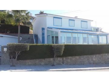 Furnished 4 bed villa for rent