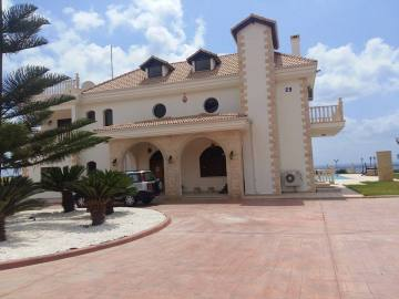 Luxury villa in St George for long term rent