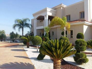 Luxury villa for long term rentals