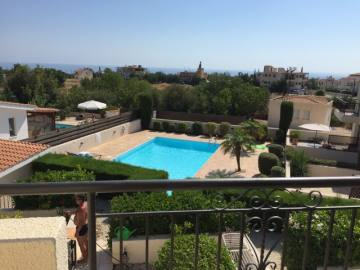 2 bedroom maisonette with communal pool in Pegeia long term rentals