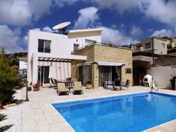 3 bedrooms furnished villa for rent in Yeroskipou