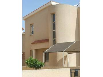 3 bed Unfurnished villa for rent with private pool
