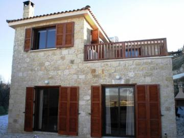3 bedroom traditional house for rent in Kalepia