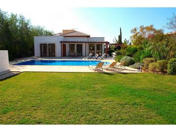 Luxury 3 bed villa in Aphrodite Hills