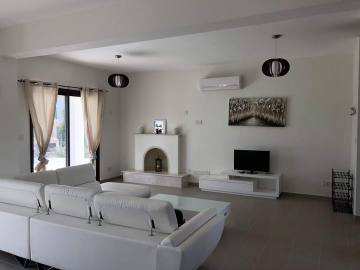 Furnished villa for long term rent