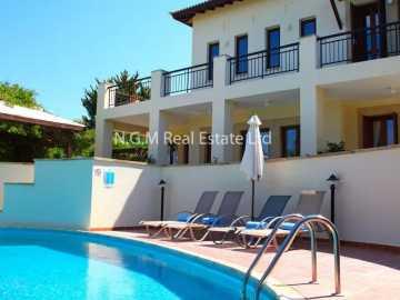 3-bedroom superior villa with private pool
