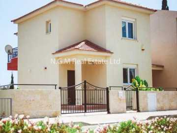 3 bedrooms detached villa near St. Rafael Hotel