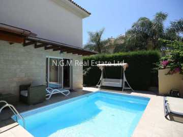 Spacious 3 bedrooms house in Limassol