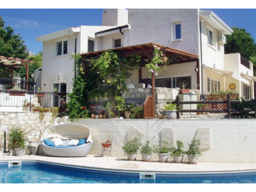 Villa in Kamares for long term rent