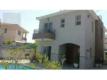 Furnished villa in Mandria