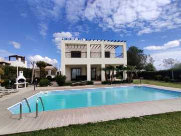 Spacious 4 bedroom villa in Secret valley