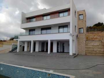 Brand new villa in Peyia