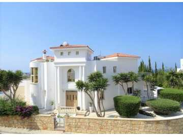 St George villa for long term rent 4 bedrooms