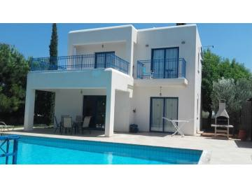 3 bedroom furnished villa in Saint George