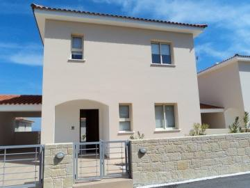 3 bedroom detached house for rent in Tsada village with private pool