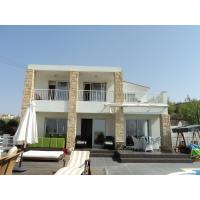 4 bed modern villa for long term rent in Tremithousa with big plot