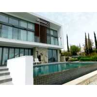 Luxury villa in Minthis Hills