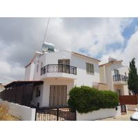 universal 3 bedroom detached house for rent